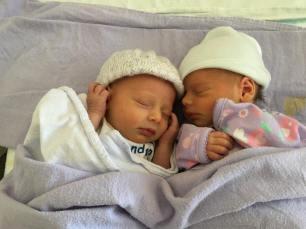 twins-new-born